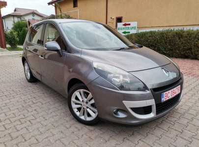 Renault Scenic 1.5 dCi, An Fab 2010 Pret 4350 euro